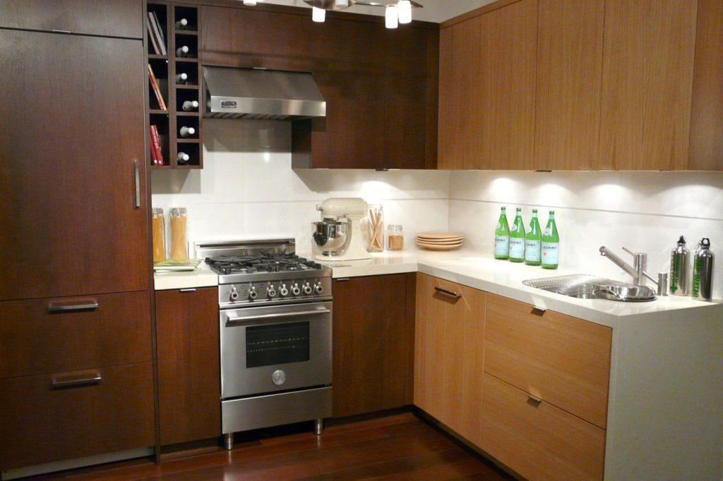 газовая плита в кухне
